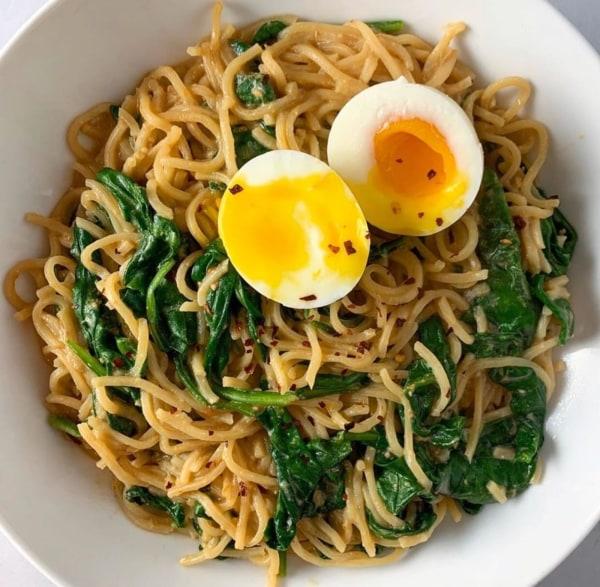 Image of Garlic Spinach Noodles