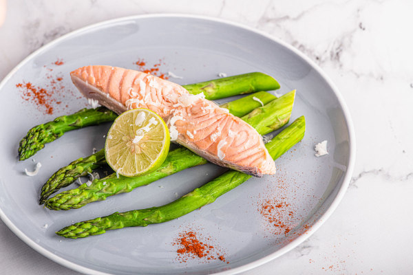 Image of Steamed Salmon with Asparagus