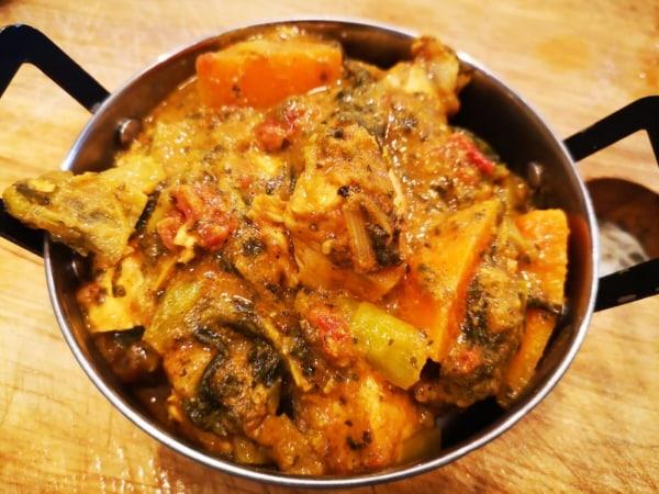 Image of 1 Curry 4 ways - Chicken & Roast Pepper