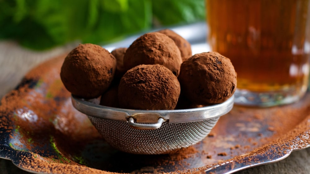Image of Gingerbread Cookie Protein Balls