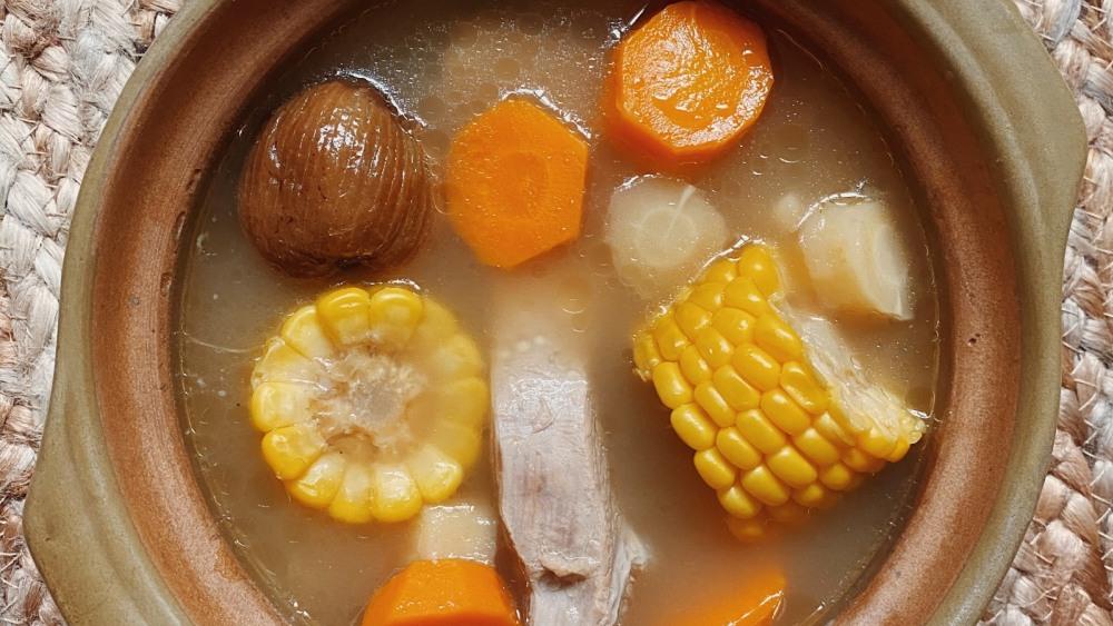 Image of Yin-Nourishing Pork Rib Broth for the Lung | 滋阴润肺排骨汤