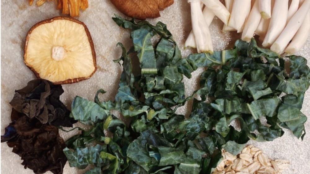 Image of Protein-Rich Creamy Mushroom Oatmeal Congee | 高蛋白蘑菇燕麦粥