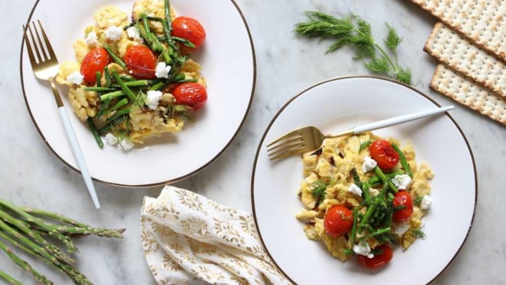 Image of Asparagus Tomato Matzo Brei