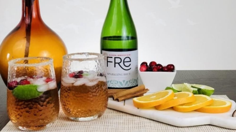 Alcohol-Free Champagne and Cranberry Juice Fizz Cocktail