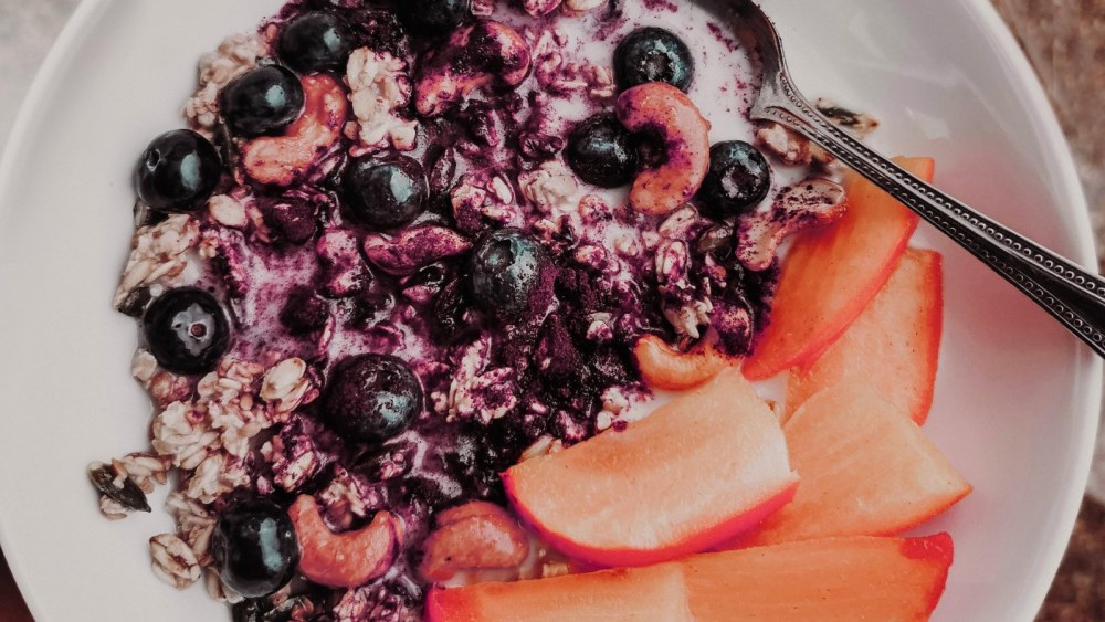 Image of GRANOLA FRUIT BOWL