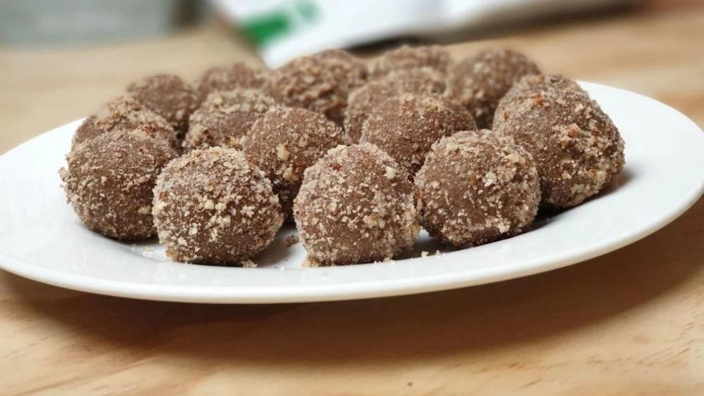 Image ofCinnamon Bun Protein Balls