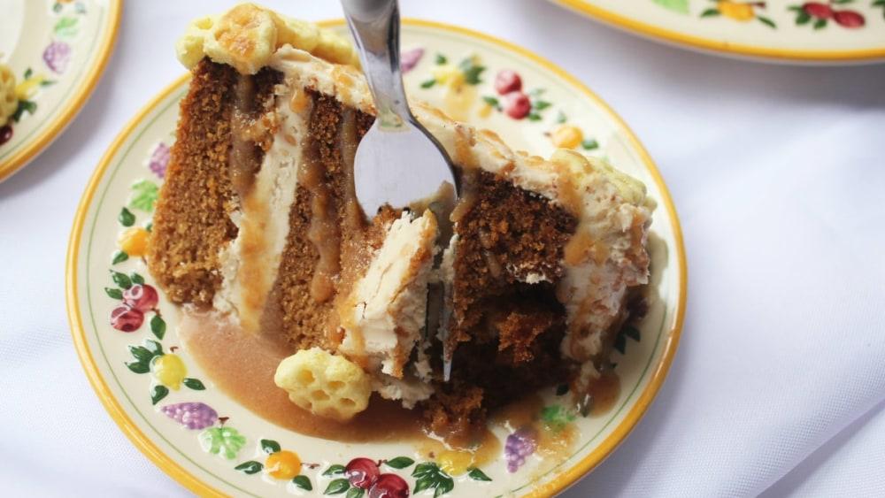 Image of Cinnamon Honey Peanut Butter Cake Frosting