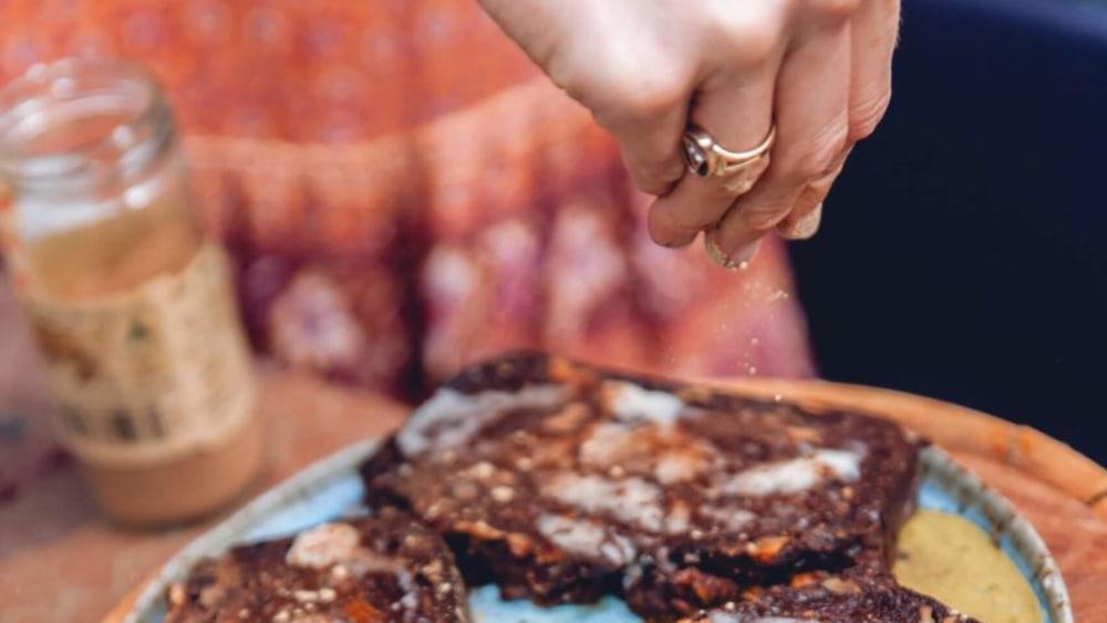 Image of Georgie's Luscious Date & Walnut Loaf