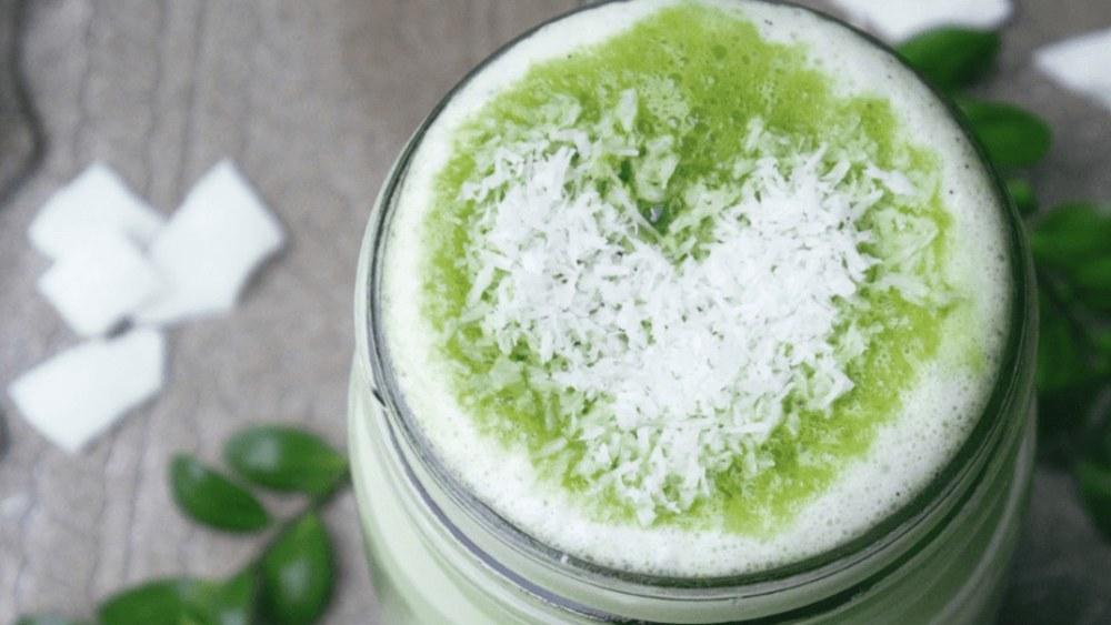 Image of Coconut Matcha Latte Rezept für ein Glas