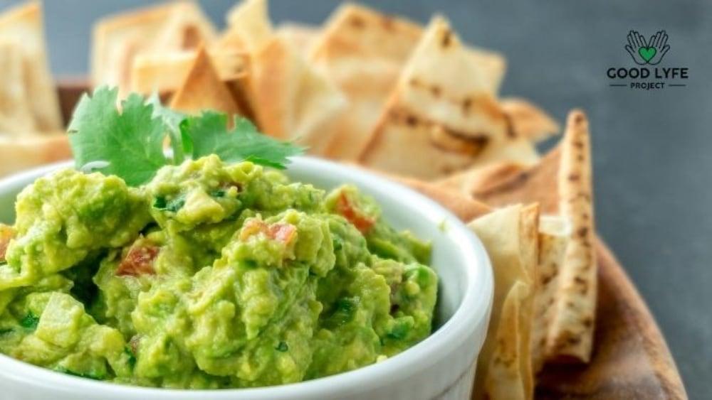 Image of Moringa Guacamole - Healthy snack dip