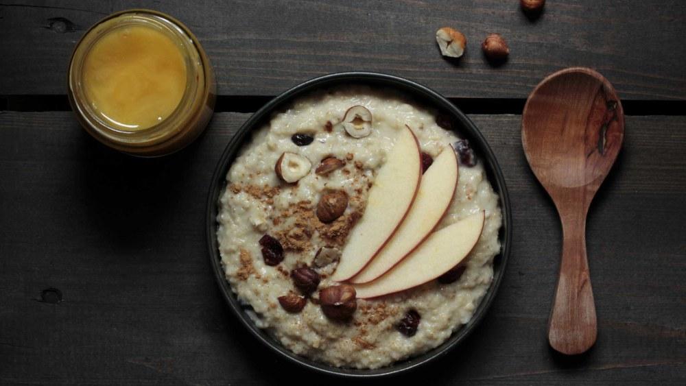 Image ofPorridge | Apfel, Haselnüsse & Cranberries