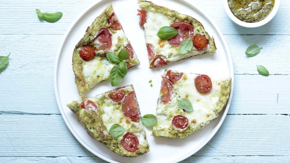 Image ofOmelette | Mozzarella, Tomaten & Pesto