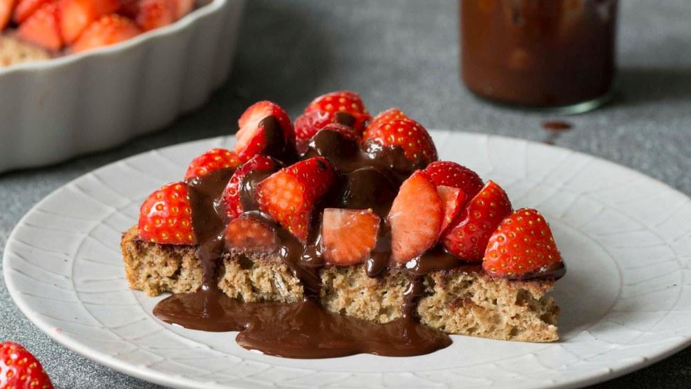 Image ofKuchen | Erdbeer, Biskuit, Schokolade