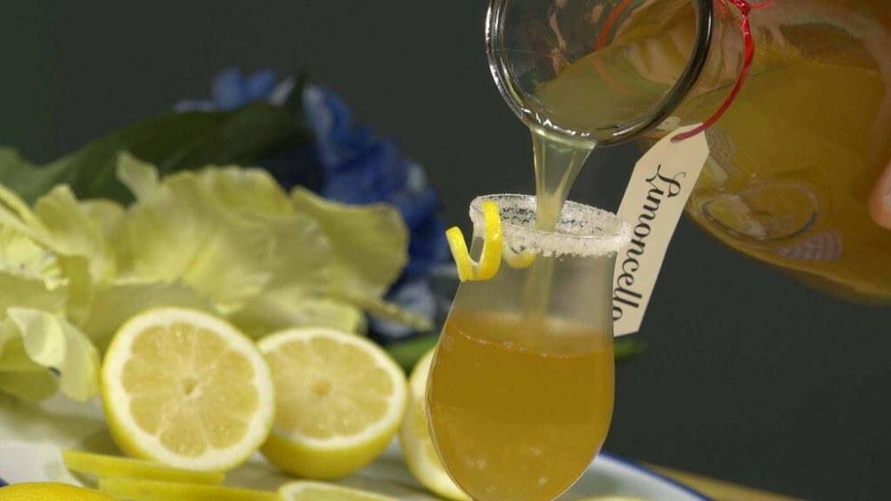 Image of Limoncello Della Regina (The Queen's Lemoncello)