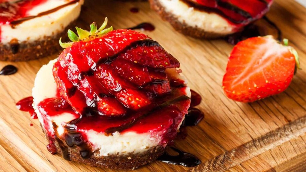 Image of Chocolate Covered Strawberry Cheesecake Cupcakes