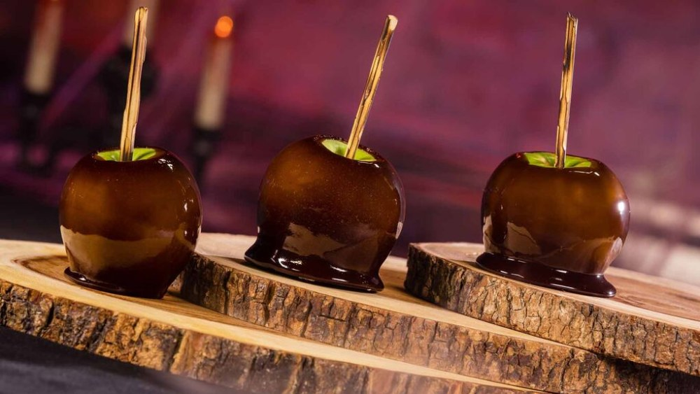 Image of Witch's Brew Candy Apples
