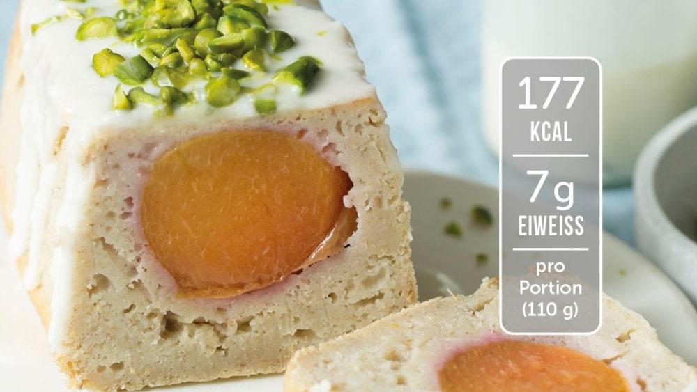 Image of Eiweiß-Kuchen mit Nektarinen