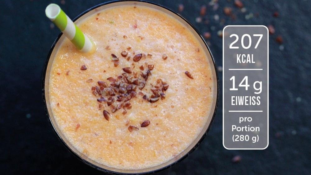 Image of Eiweiß-Shake mit Apfel und Karotte