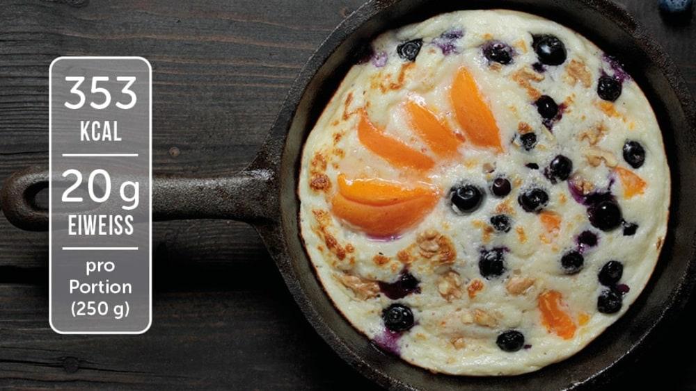 Image of Süßes Omelette mit Aprikosen