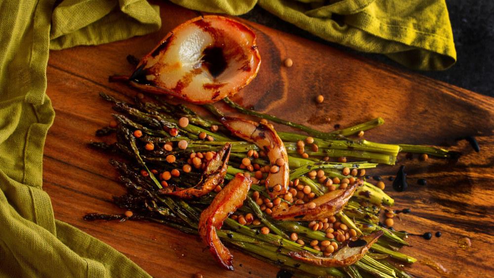 Image of Salade chaude aux asperges et poires
