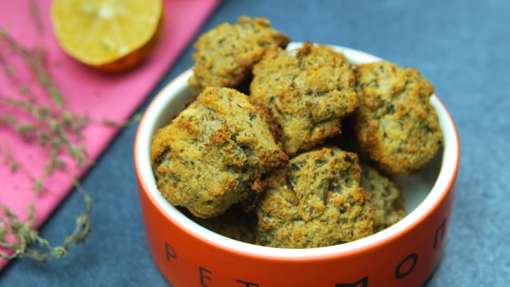 Image of DIY Sardine Drop Biscuits for Dogs Recipe