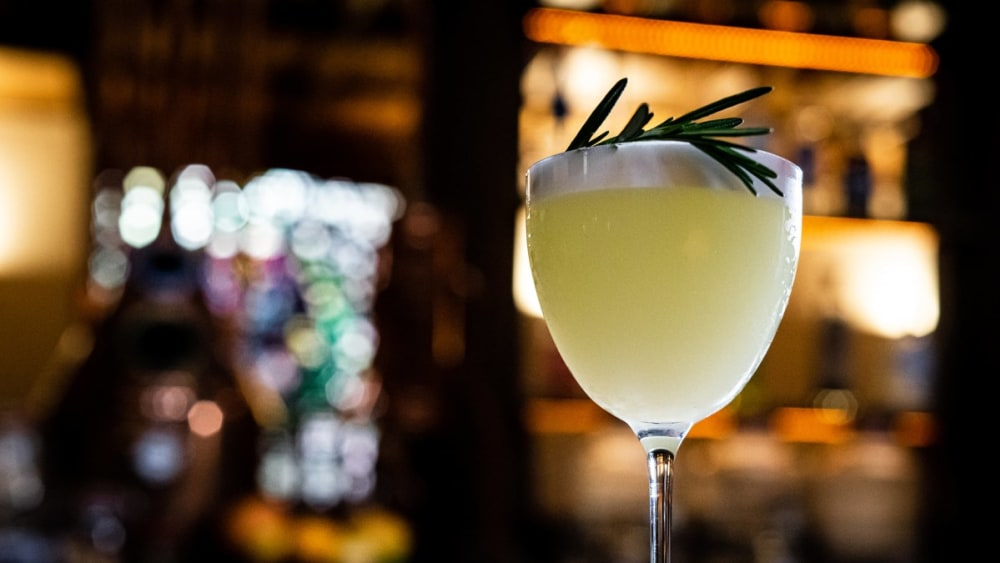 Image of The Classic 'Gin Sour' Cocktail with a Mediterranean twist