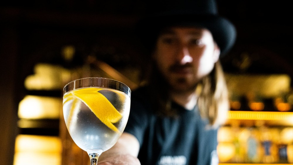 Image of Zingy Grapefruit 'Dry Gin Martini'