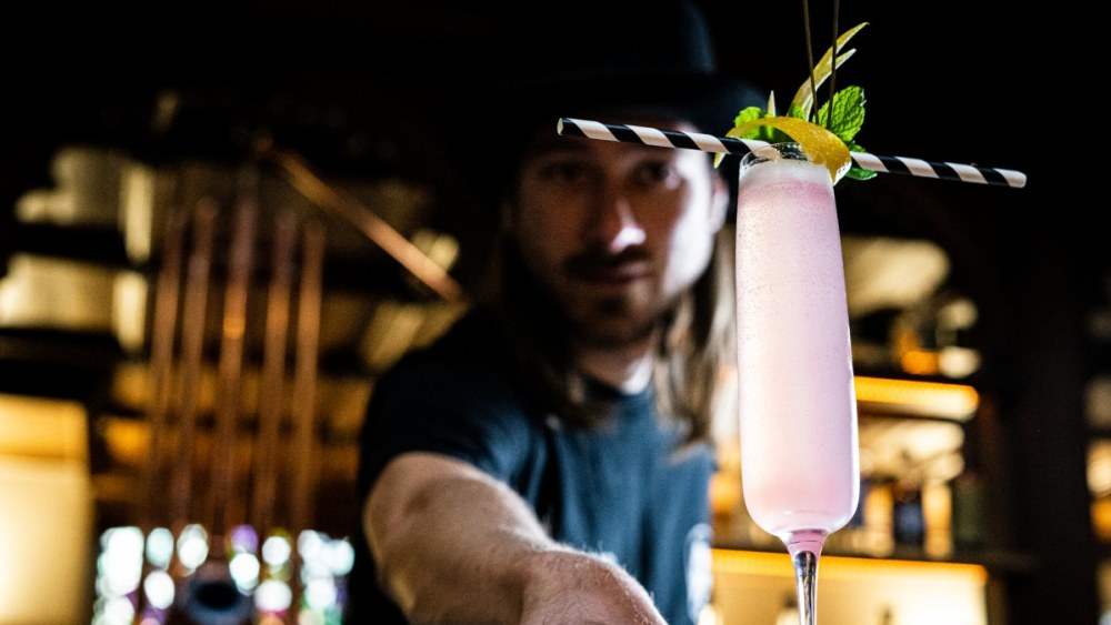 Image of The 'Pink Gin Fizz' (Gin and Prosecco Cocktail)