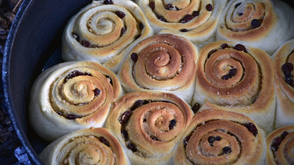 Image of Dutch Oven Cinnamon Rolls: Sweet Campfire Dessert