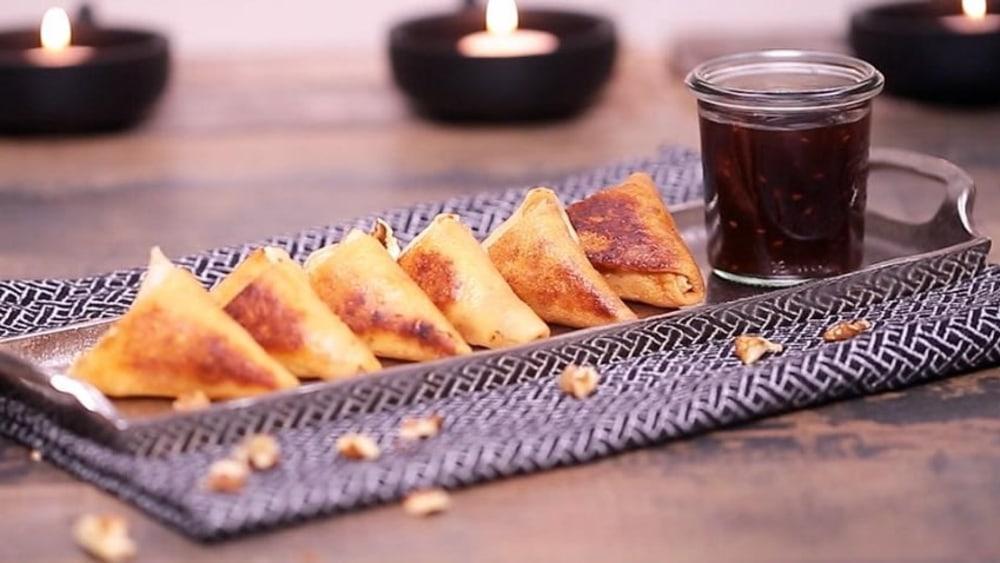 Image of  Recipe: Crêpe Samosas