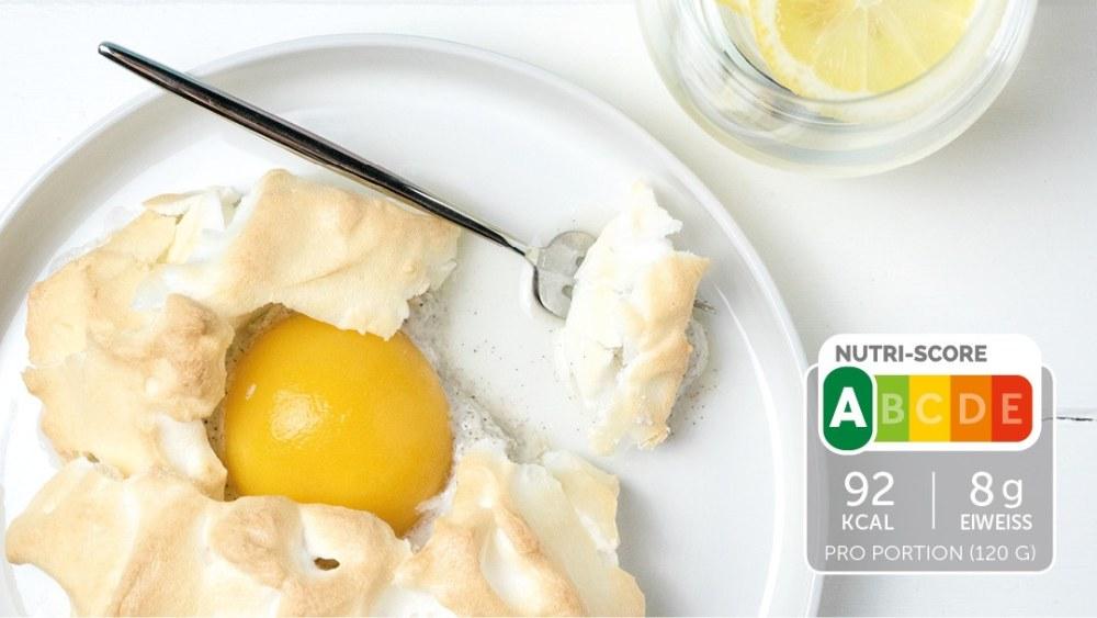 Image of Süße Cloud Eggs mit Pfirsich