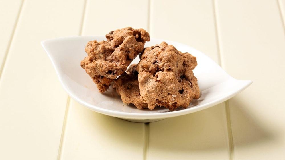 Image of Chocolate Almond Meringues