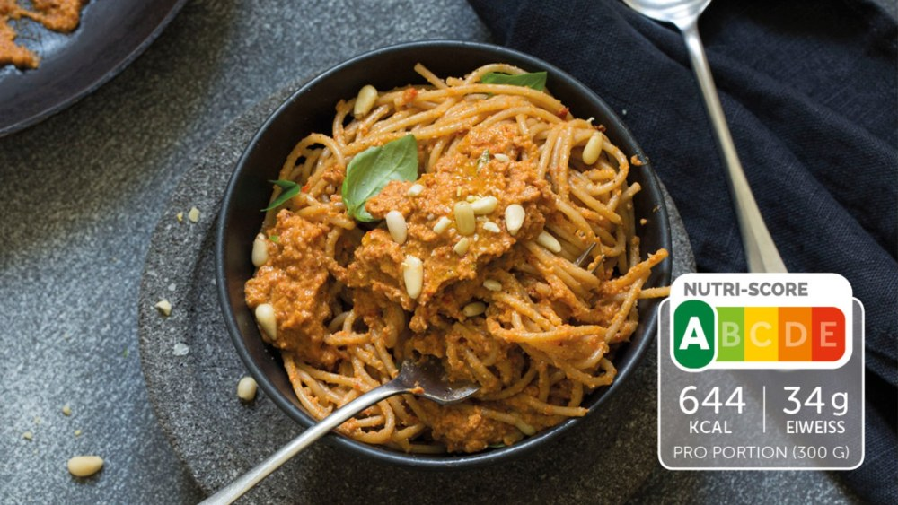 Image of Spaghetti mit Selbstgemachtem Pesto Rosso