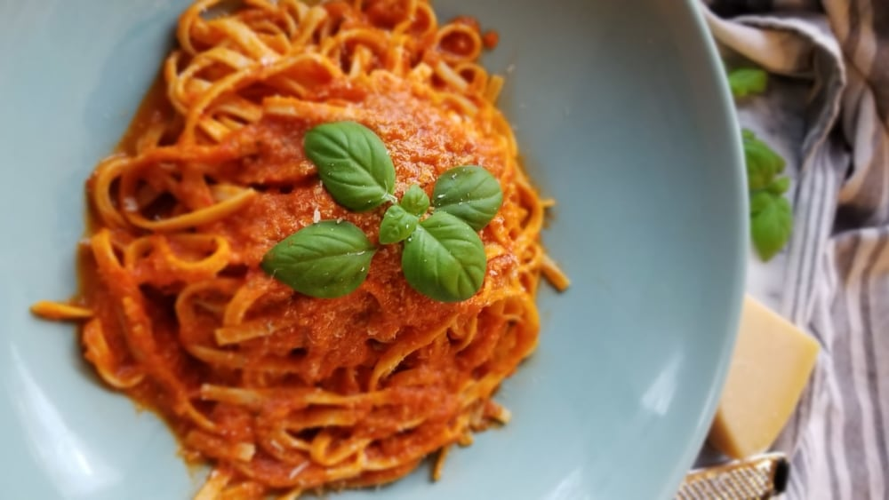 Image of Linguine with Fresh Tomato Sauce