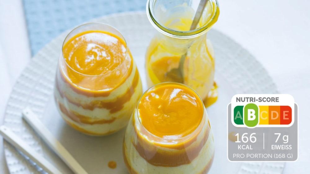 Image of Fruchtiges Vanillemousse mit Mango