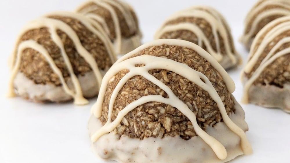 Image of Hojicha Coconut Macaroons