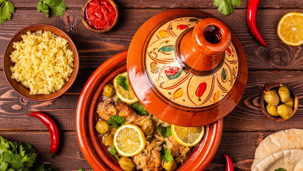 Image of Chicken Tagine With Apricots: A Delicious Moroccan Dish
