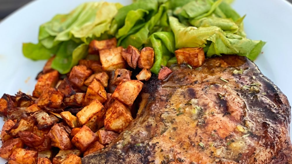 Image of Pork Chops with Herbed Garlic Butter