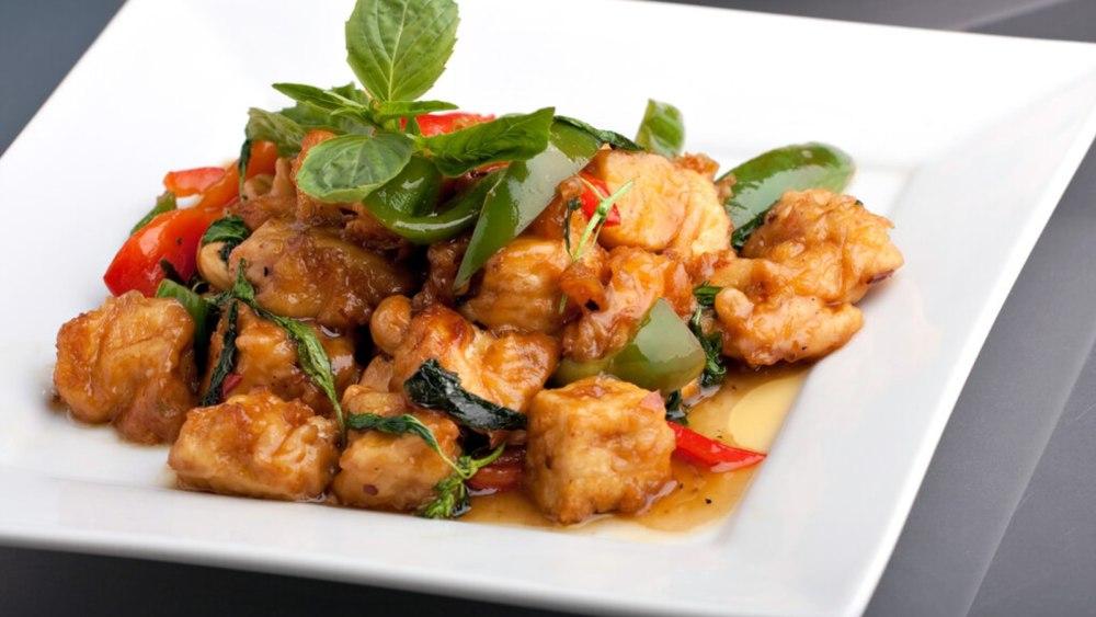 Image of Basil Tofu Recipe: A Spicy Vegetarian Spin on Pad Krapow