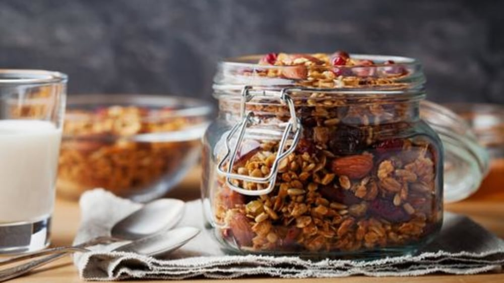 Image of Muesli Recipe: An Easy Homemade Vegan Breakfast of Champions