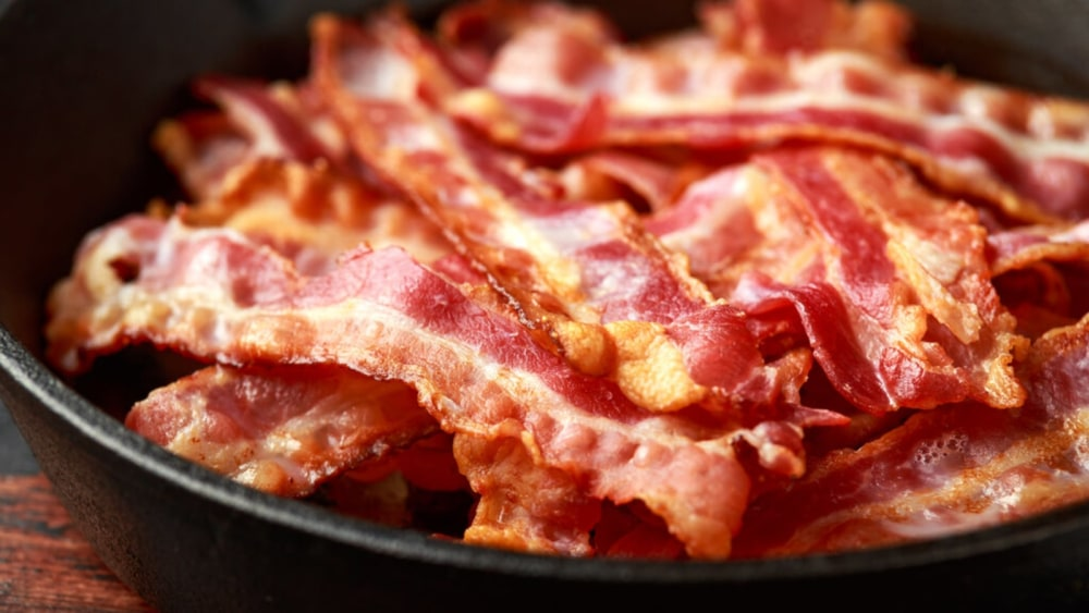 Image of Bacon in Cast-Iron Skillet: A Sizzling Sensation