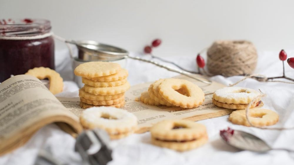 Image of Linzer cookies with Truffle jam