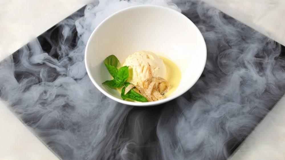 Image of Ice cream with pear jam & truffle Zigante