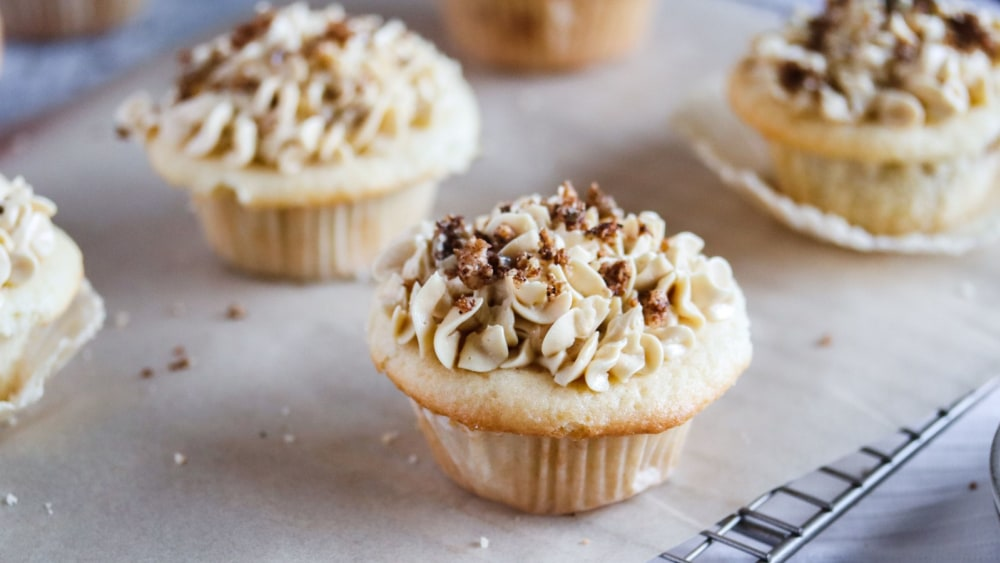 Image of Gluten Free Apple Pie Cupcakes with Vegan Maple Buttercream Frosting