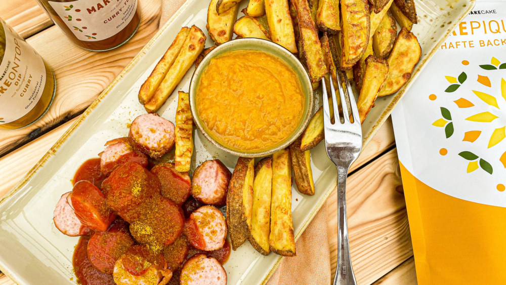 Image of CURRYWURST POMMES