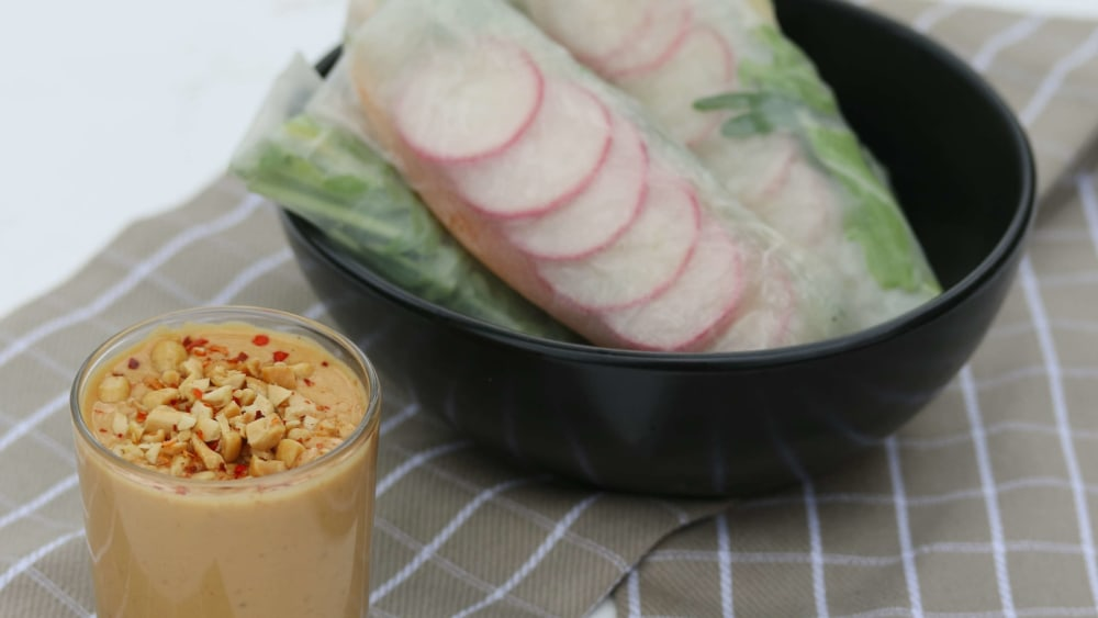 Image of Thai Summer Rolls with Peanut Sauce