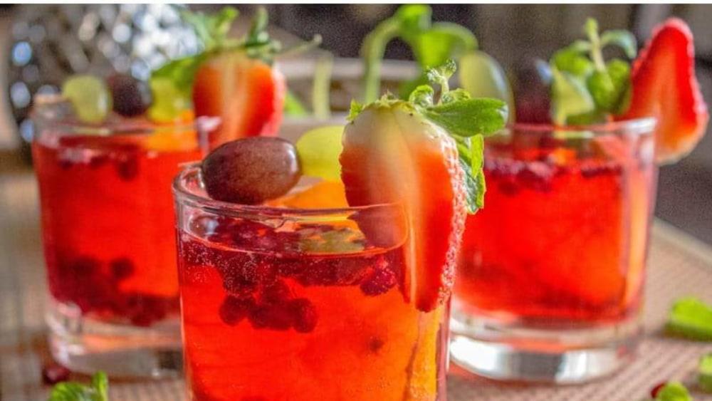 Image of Pomegranate Mojito Recipe