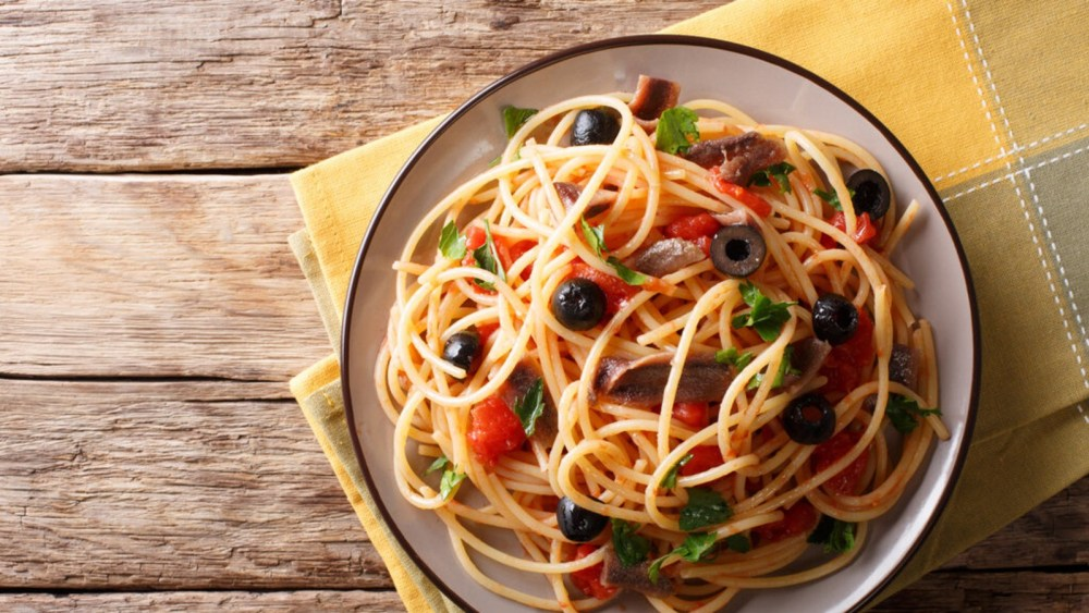 Image of Pasta Puttanesca: How to Make This Anchovy Spaghetti
