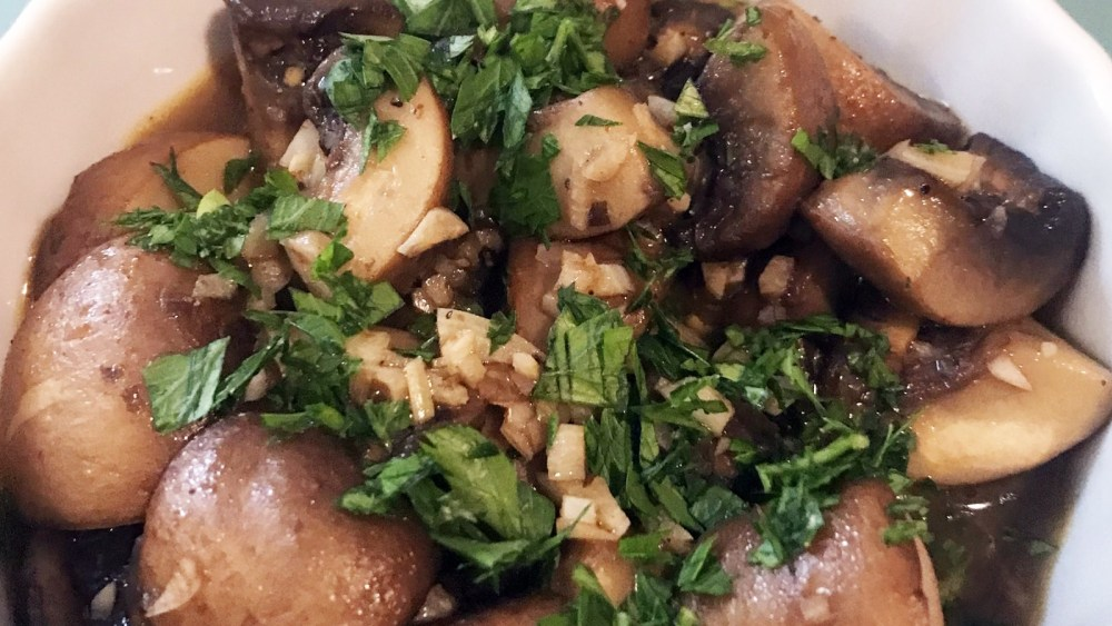 Image of Spanish Meal: Garlic Mushrooms (Champinones al ajillo)