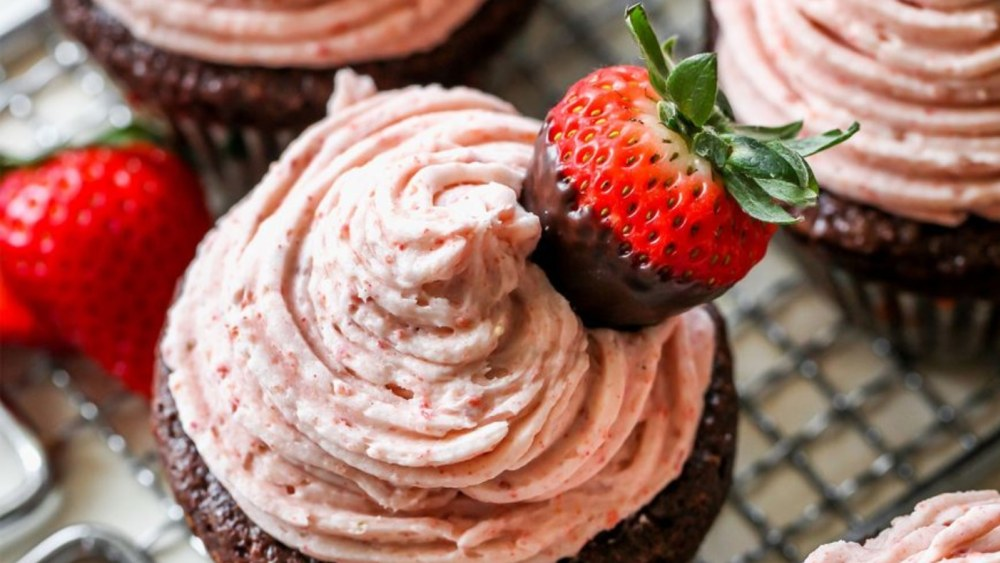 Image of Chocolate Tahini Cupcakes with Strawberry Buttercream Icing